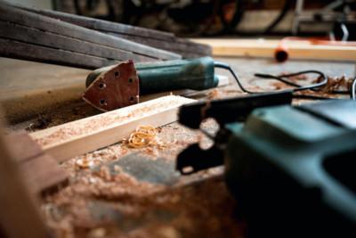 haard of kachel in houtskelet