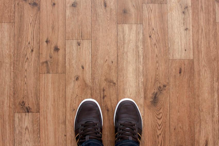uitzetvoeg houten vloer